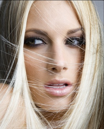 Стать блондинкой поможет краска