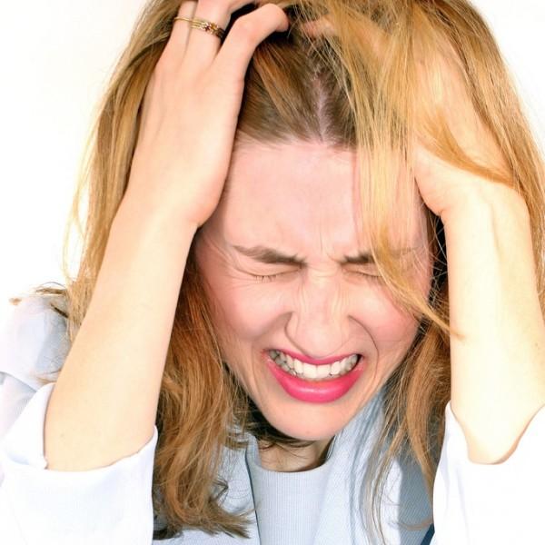 Стрессы нередко становятся причиной проблем с прической