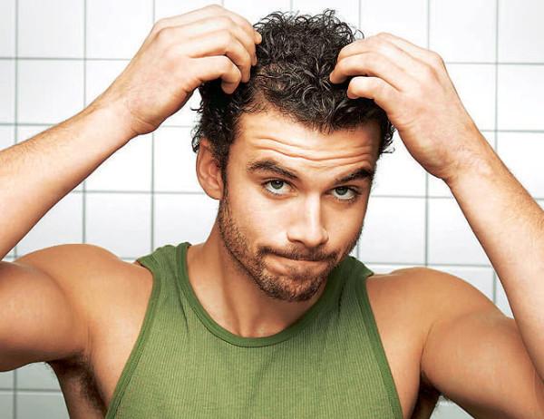 Стрижку независимо от выбранной прически проводят на чистые волосы