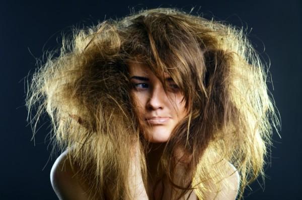 Сухие волосы – максимально увлажняющий шампунь – простая аксиома здоровых локонов