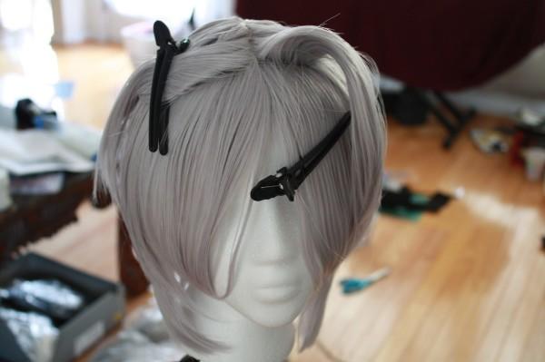 Светлые шиньоны, парики перекрасить проще Батиком.