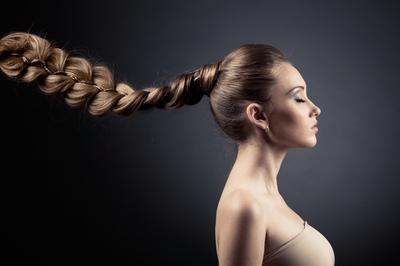 Только из крепких, здоровых волос можно заплести красивую косу