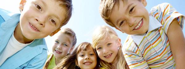 Травмы постоянно сопровождают жизнь активного ребёнка, поэтому очень важно уметь оказать ему быструю помощь при ранах и порезах кожи