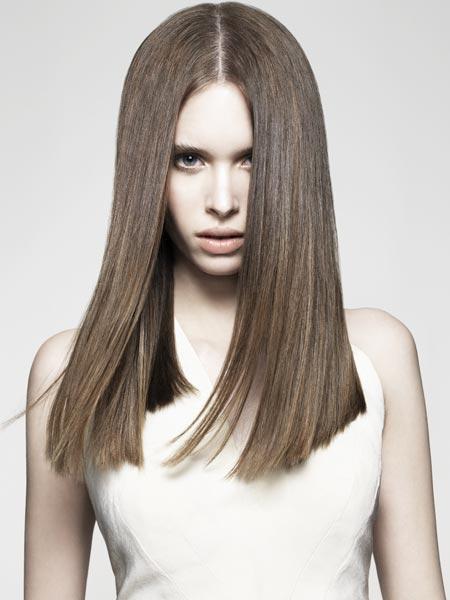 Трендом сезона 2015 года стали не только прохладные блонды, но также ледяные и просто холодные каштановые оттенки волос.
