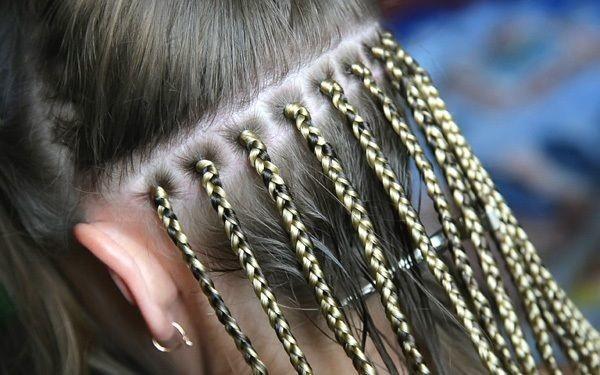Цена прически зависит от длины желаемых косичек и вида плетения.