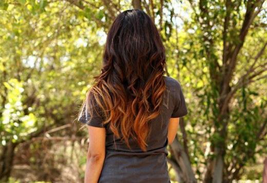 У длинных волос можно окрасить лишь кончики
