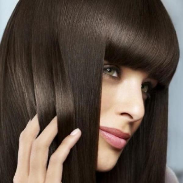 Улучшить структуру, рост и густоту волос поможет тщательный уход за ними.