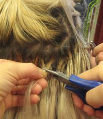 В арсенале профессиональных парикмахеров также присутствуют щипцы для снятия волос