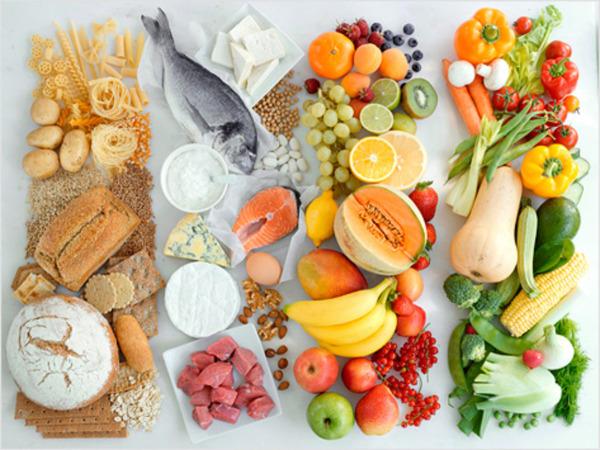 Важные продукты, которые необходимо употреблять для здоровья локонов.