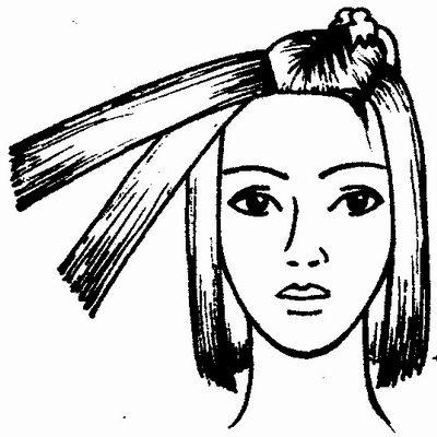 Волосы делим на приблизительно одинаковые пряди