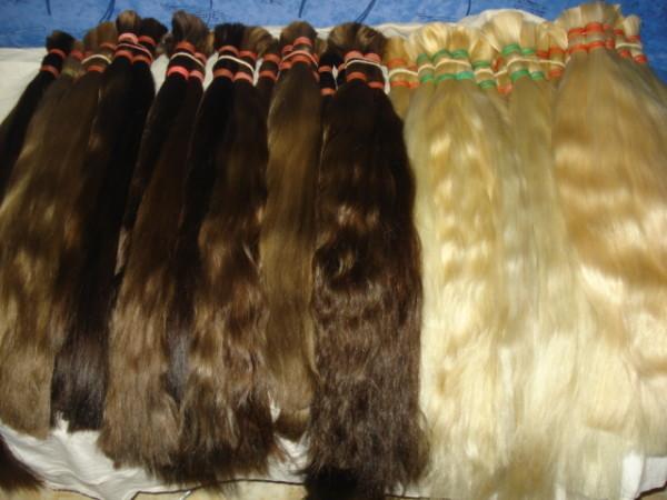 Волосы для наращивания закупают у тех, кому надоели длинные пряди
