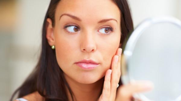Волосы на женском лице - серьезный недостаток в облике, который мы легко исправим.