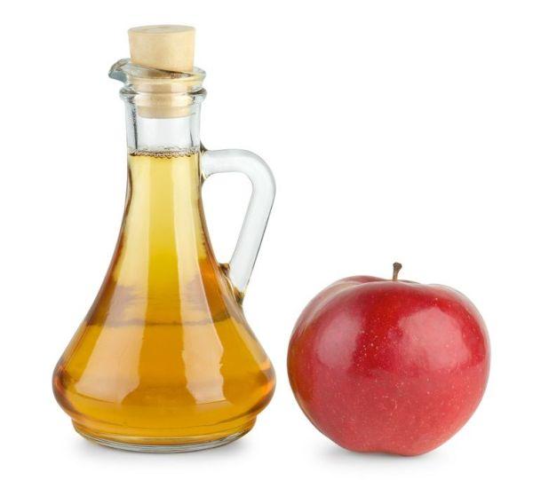 Яблочный уксус – одно из наиболее действенных народных средств