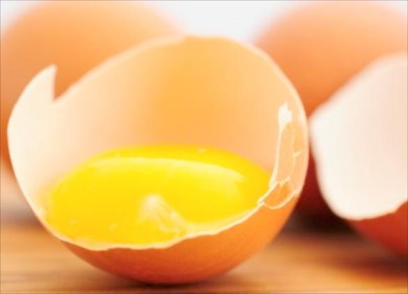 Яичный желток обладает великолепными моющими характеристиками