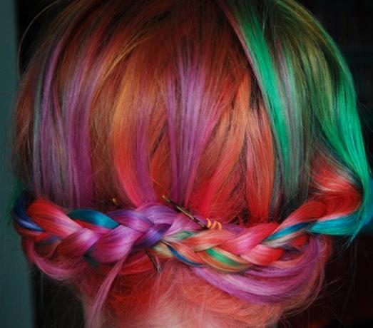 Яркий образ без вреда для волос.
