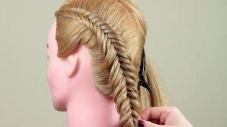 Заплести такую косу не так сложно, как может показаться