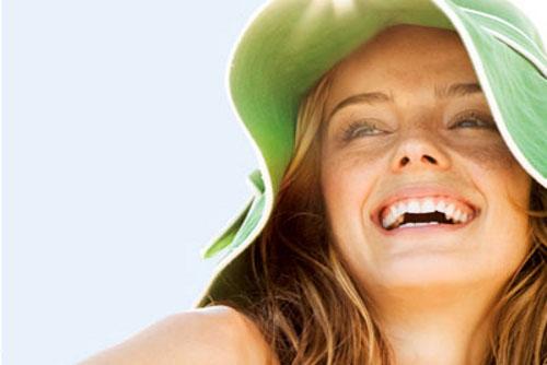 Защищайте волосы от палящего солнца!