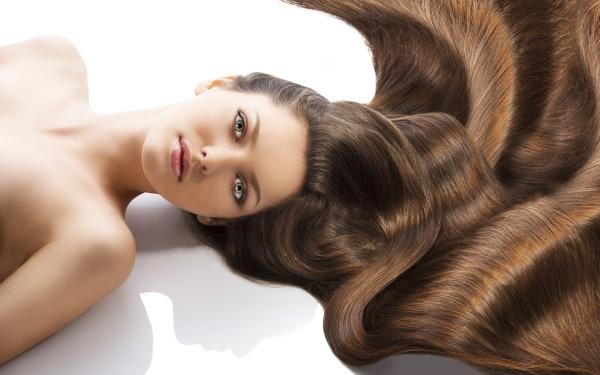 Здоровые и блестящие волосы – это непрерывное за ними ухаживание!
