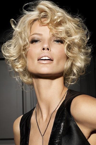 Женщины готовы на многое ради своей красоты.