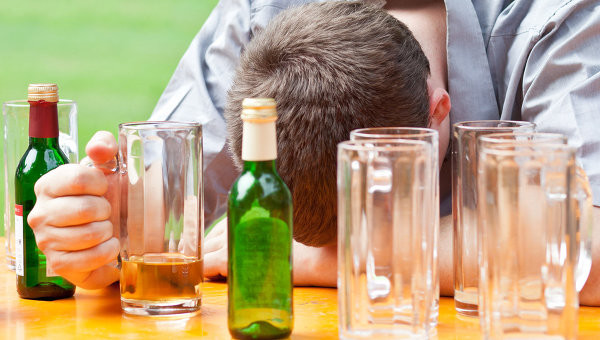 Злоупотребление алкоголем провоцирует заболевания эпидермиса